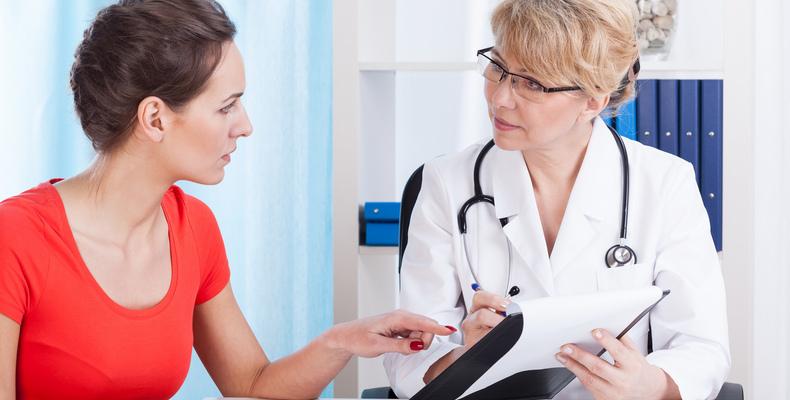 Какие болезни лечит проктолог у женщин